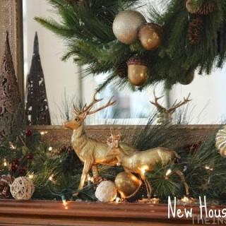 Mantel Monday: Christmas Mantel Link-Up