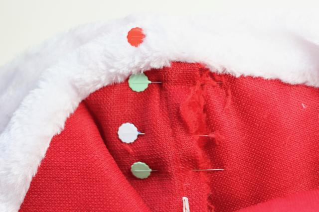 diy-santa-hat-bunting-2