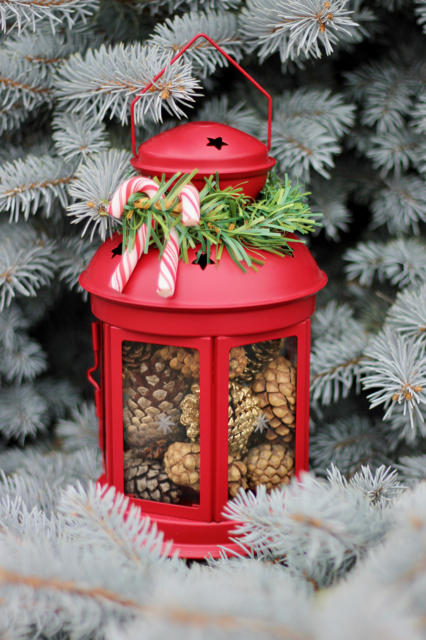 simple-holiday-lanterns-2