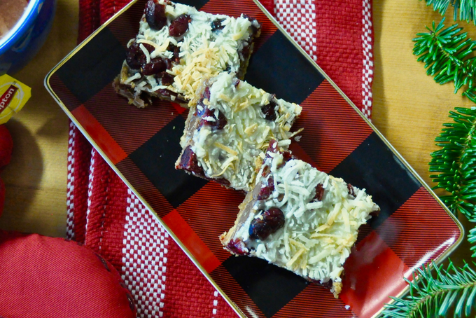 The Inspired Home // Easy Holiday Baking on a Budget Festive Magic Bars