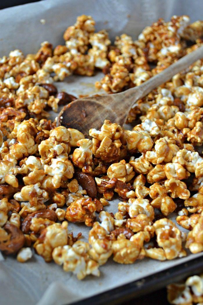 Cashew Caramel Corn