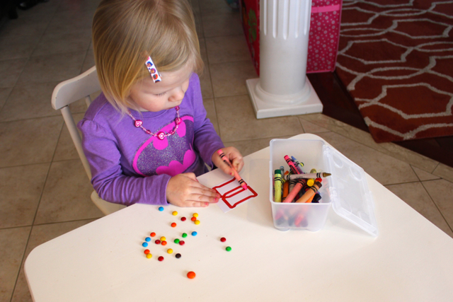 TheInspiredHome.org // Get your kids interested in helping out in the kitchen by making your very own DIY candy bars with this simple kit. I guarantee happy results!