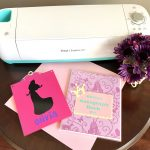 TheInspiredHome.org // Create a beautiful and customized DIY Disney autograph book and matching clipboard using your Cricut Explore Air 2 and some colourful vinyl.