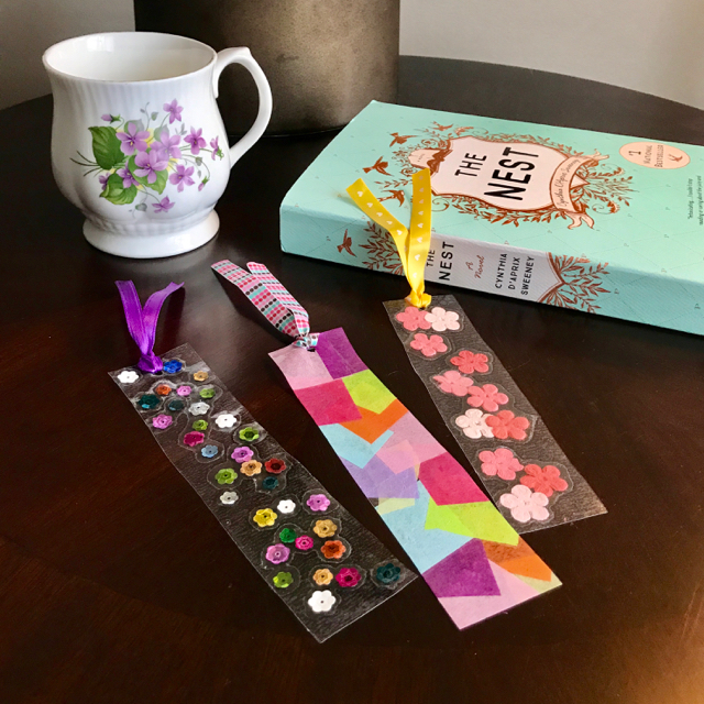 TheInspiredHome.org // Contact paper is such a great craft medium for toddlers. Use it to whip up these beautiful DIY bookmarks for mom or grandma this Mother's Day!