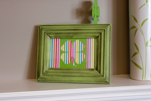 TheInspiredHome.org // St. Patrick's Day Mantel DIY Art