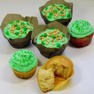 St. Patricks Day Cupcakes: Rainbow Pot of Gold