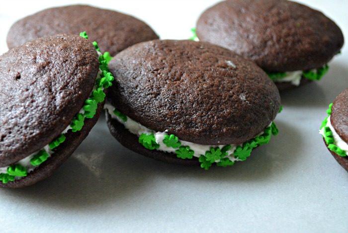 Chocolate Mint Whoopie Pies