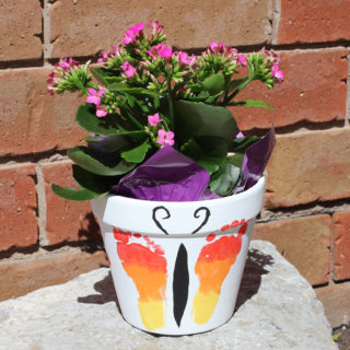 Mother's Day Flower Pot Gift {Tutorial}