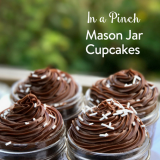 Mason Jar Cupcakes In a Pinch